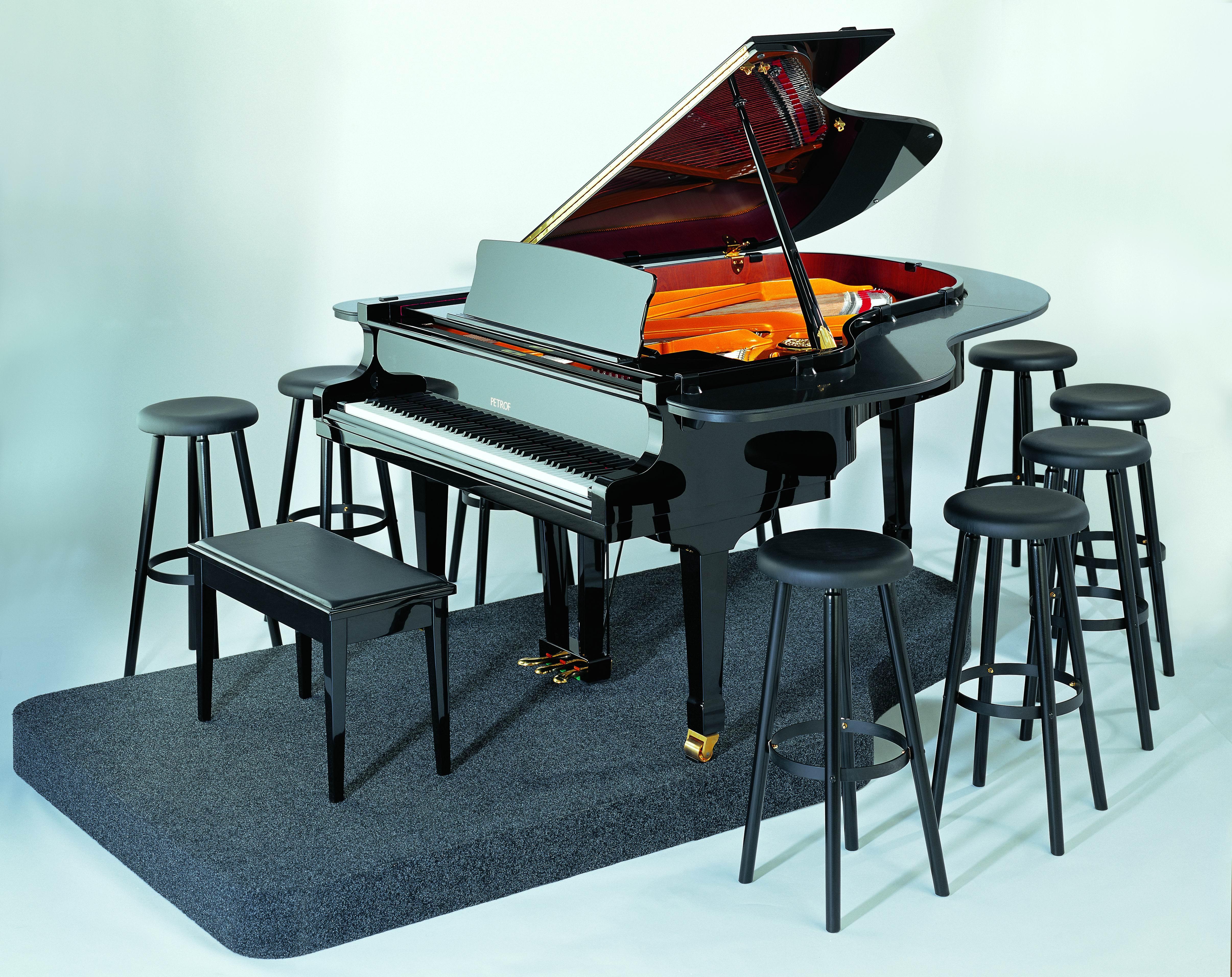 Grand piano petrof pianobar petrof spol s r o for Royal pianos