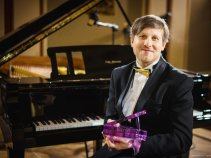 The winner of the Pianist of the Year 2017 is Zdeněk Urbanovský